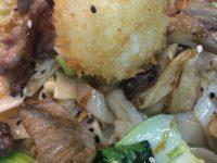Ramen con presa, shiitake, huevo crujiente y tonkatsu